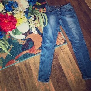 🤑Skinny faded jeans with cute button